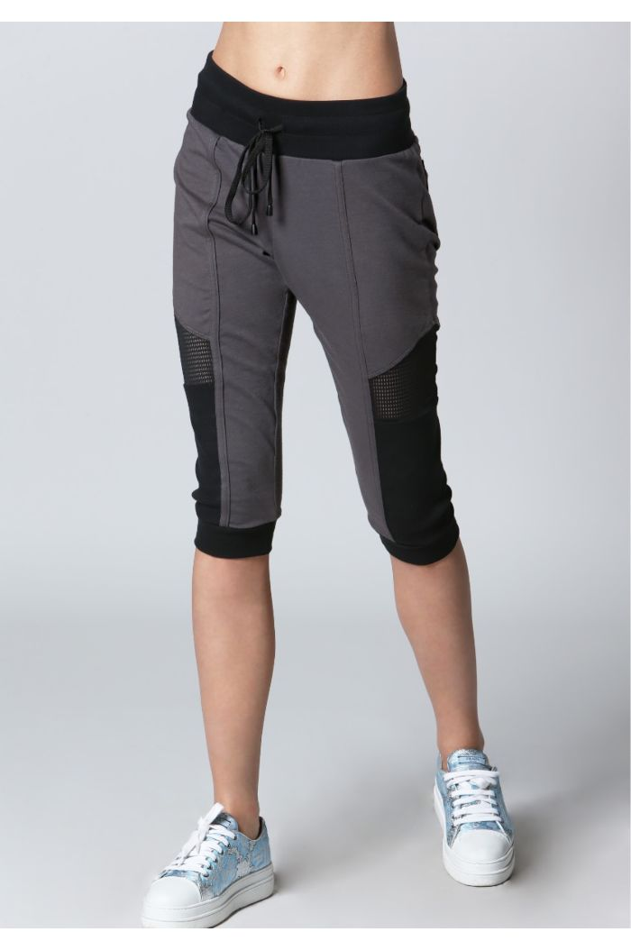 Stylish Capri Jogger
